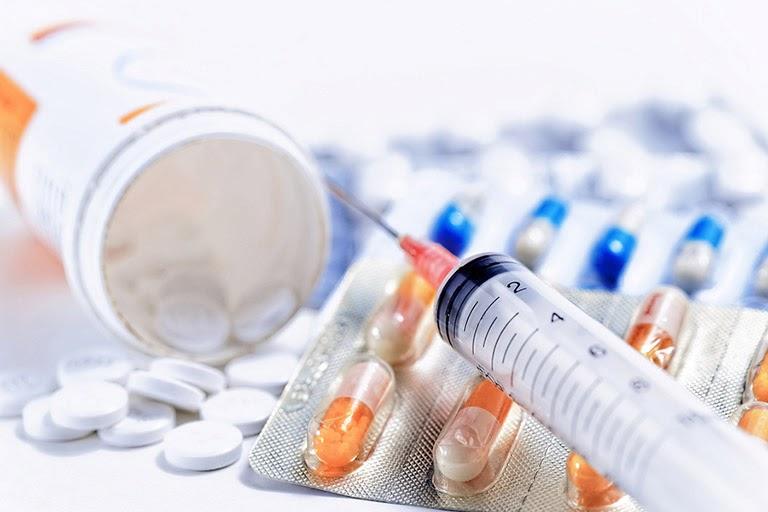 Thuốc tân dược có nhiều tác dụng phụ khi điều trị gút