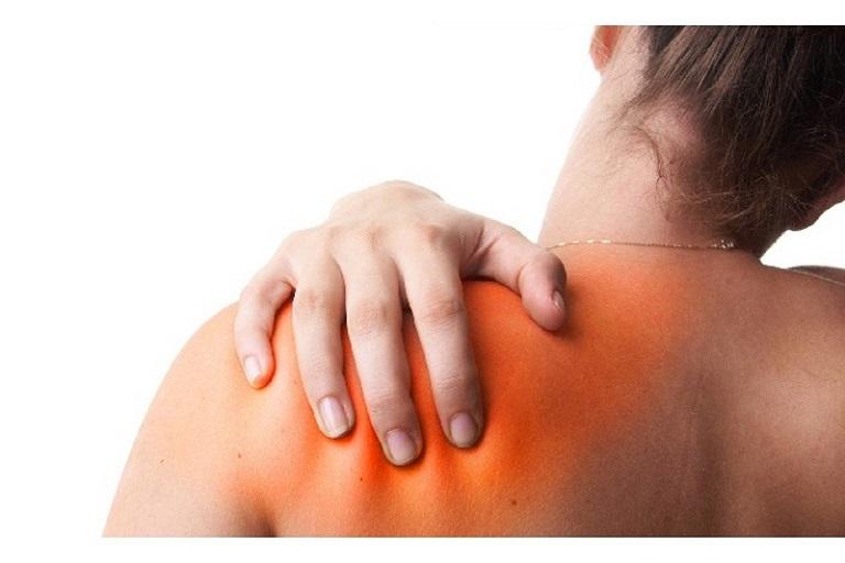 Người bệnh cảm thấy đau nhức khi bị thoái hóa khớp