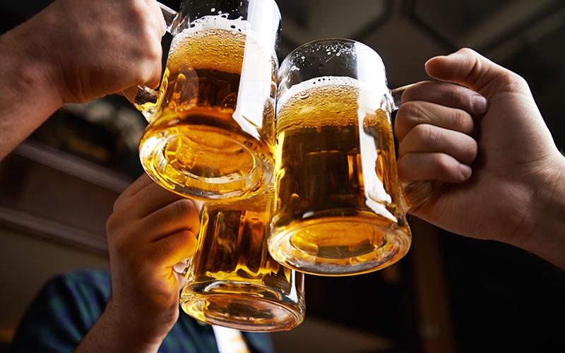 Loại bỏ đồ uống có cồn ra khỏi chế độ ăn uống hàng ngày